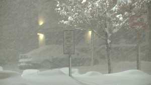 مشاهد مذهلة لتساقط الثلوج الكثيف على أمريكا