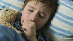 الأصحاء قد يموتون بسبب الزكام.. كيف تعرف أن مرض ابنك ليس قاتلاً؟