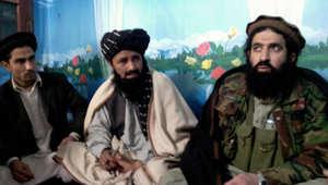 طالبان باكستان تطرد الناطق باسمها و5 من قادتها لمبايعتهم داعش.. وتؤكد الولاء للملا عمر في أفغانستان