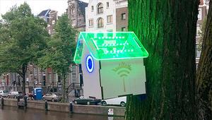 """منزل للطيور في شوارع أمستردام يقدم """"واي فاي"""" مقابل تقليل التلوث"""