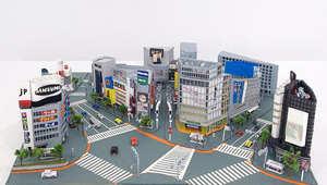 من طوكيو إلى نيويورك... شاهد كيف تعيد هذه المصممة بناء المدن باستعمال الورق فقط