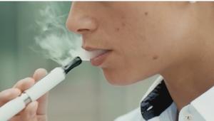 احذر..السجائر الألكترونية غير آمنة خاصة على الأطفال
