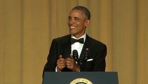 بالفيديو: أوباما يسخر من غياب ترامب عن