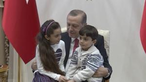 أردوغان يستقبل طفلة حلب بانا العابد في المجمع الرئاسي