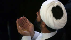 السعودية ترد طائرة معتمرين من إيران لفقدانها الترخيص وطهران تتحدث عن