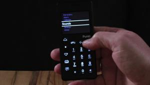 هل نعود إلى الهواتف النقالة العادية؟