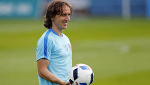 أقوى دفاع وأشرس هجوم في أول لقاءات دور الـ 16 من كأس الأمم الأوروبية