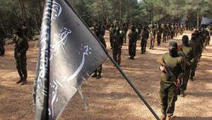 مواجهات وبراميل متفجرة بسوريا وجبهة النصرة بهجوم استباقي على معاقل حزب الله بالقلمون قبل خطاب لنصرالله