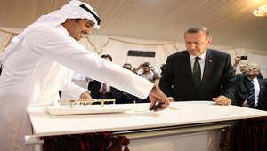 بالصور: أردوغان يدشن مع أمير قطر في الدوحة مشروع