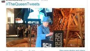 ملكة بريطانيا إليزابيث الثانية تطلق أولى تغريداتها على تويتر