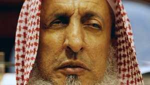 السعودية تدخل اكتتاب البنك الأهلي الأكبر بتاريخها وسط تضارب بالفتاوى.. والمفتي يطالب المجيزين بالتراجع