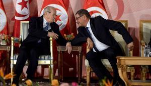 غموض يحيط بهوية رئيس حكومة تونس القادم.. ووزير من نظام بن علي بين المرّشحين