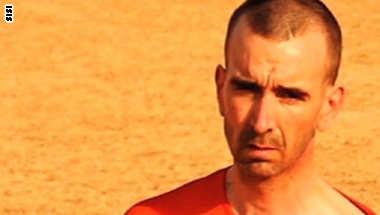 """صورة لعامل الاغاثة البريطاني الذي ذبحته """"داعش"""""""