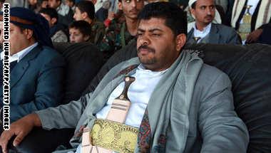 خلفان: سيمتلك الحوثي ترسانة أسلحة تهدد أمن السعودية والخليج بعد عام من تسيير الرحلات الجوية من إيران لليمن