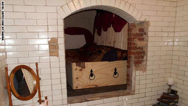 النوم تابوت راهب كاثوليكي