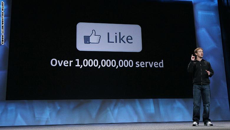 رأي: ما يأخذه منك فيسبوك دون أن تعلم
