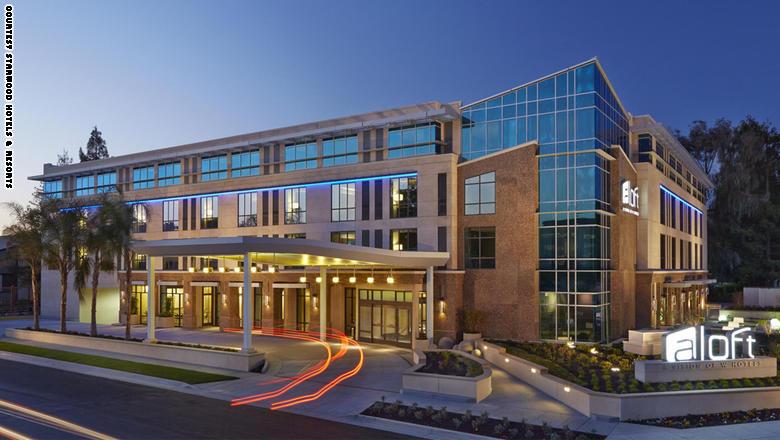 نظرة داخل فندق المستقبل.. عندما تندمج التكنولوجيا بحياتنا اليومية