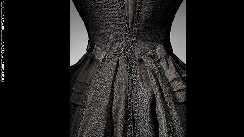 بالصور..هكذا تجلت ثياب الحزن والحداد في العصر الفيكتوري