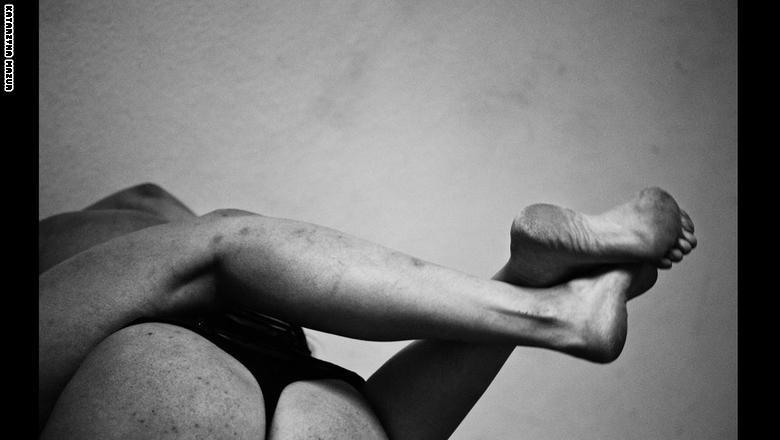 """بالصور.. نظرة داخل عالم المصارعة """"الوحشية"""" للجنس اللطيف"""