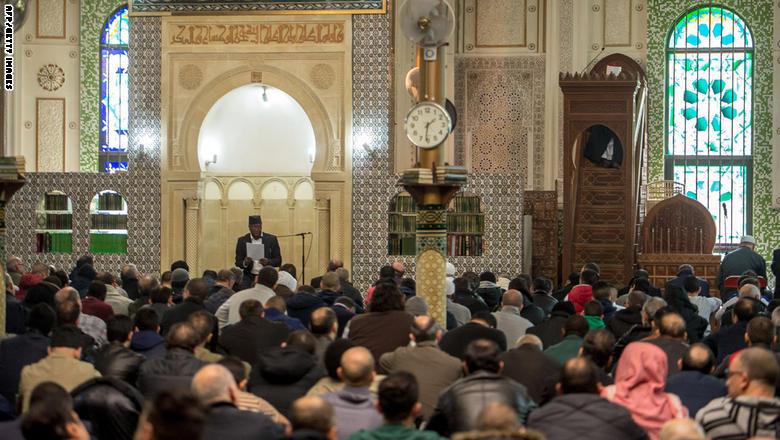 مؤتمر لتعريف السنّة بالشيشان يستثني السلفيين ويثير الغضب بالسعودية coobra.net