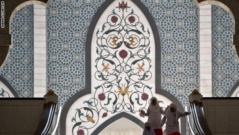 باحث البنك الدولي: القيم الإسلامية parade-celebrate-birth-Prophet-Muhammad.jpg?itok=sCDhTIGd