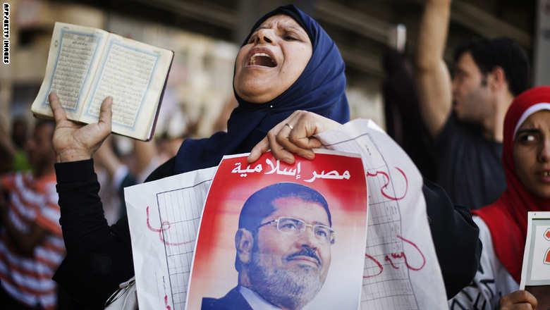 """مصر: سلفيون يدعون لمظاهرات ترفع المصاحف ووزير الأوقاف يرد: خوارج """" ينتهكون قدسية كتاب الله"""