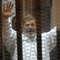 محكمة مصرية تأمر باستدعاء مرسي ووزير الداخلية ومساعديه للشهادة بقضية