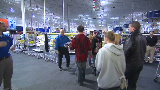 Best Buy: Big lines for hot products