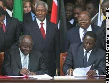 كيباكي وأودينغا يوقعان اتفاق اقتسام السلطة