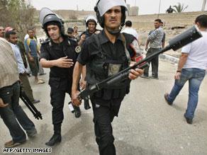 أجهزة الأمن المصرية زادت حملاتها على ''الإخوان'' قبيل الانتخابات