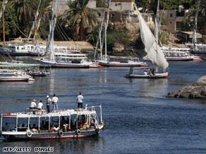 مصر تعاني نقصاً في مياه الشرب النظيفة