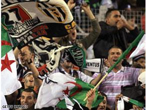 المشجعون الجزائريون سيزحفون خلف منتخب بلادهم إلى القاهرة