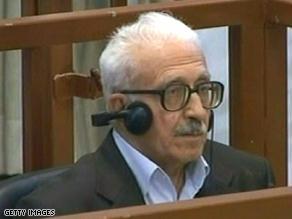 طارق عزيز.. صدر حكم بإعدامه لدوره في تصفية الأحزاب الدينية
