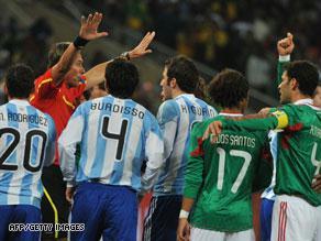 احتجاجات من منتخب المكسيك على الهدف الأول