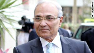 المجلس الأعلى للقوات المسلحة وافق على استقالة أحمد شفيق، المرفوض شعبيا