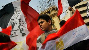 احتشد المحتجون في ميدان التحرير حتى رحيل مبارك