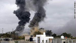 افاد الثوار الليبيون بأن انسحابهم من بن جواد وراس لانوف تكتيكي