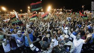 مكان القذافي غير معروف منذ دخول مجمع باب العزيزية