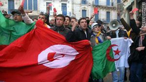 جانب من إحدى المظاهرات بالجزائر