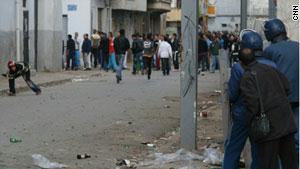 مواجهات بالجزائر احتجاجاً على غلاء الأسعار