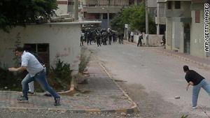 المواجهات بين قوات الأمن والمحتجين خلفت عشرات الضحايا في سوريا