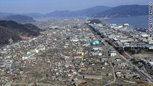 اليابان أُصيبت بدمار شديد بعد الكارثة المزدوجة