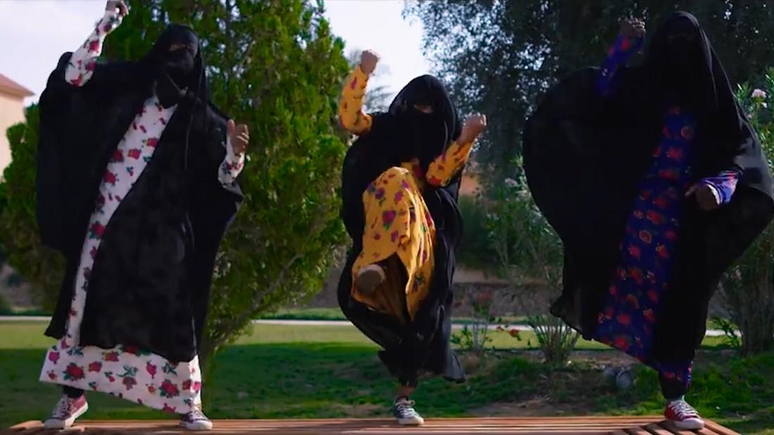 كليب عن حقوق المرأة بالسعودية يجتاح الانترنت