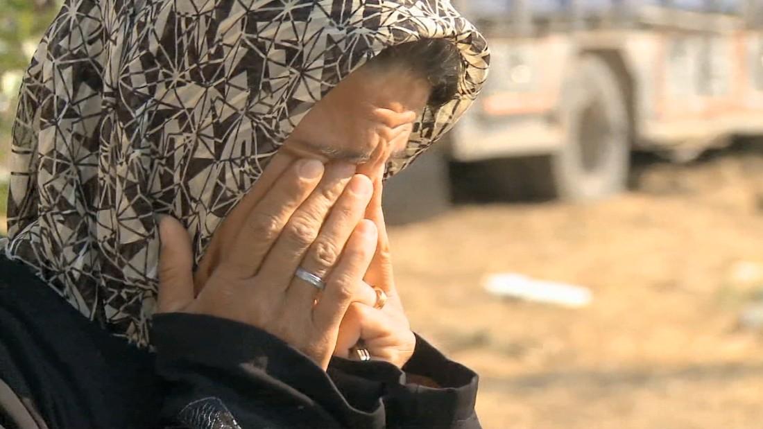 قتل زوجها.. CNN تقابل ناجية من حلب