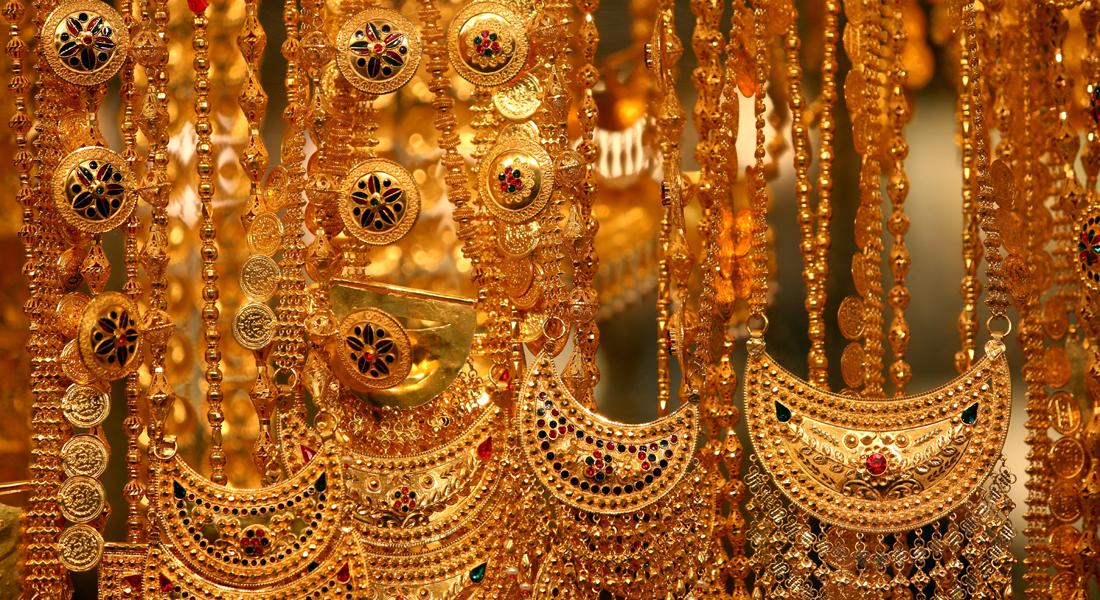 بالصور هكذا جمعت كنوز العالم في سوق الذهب في دبي