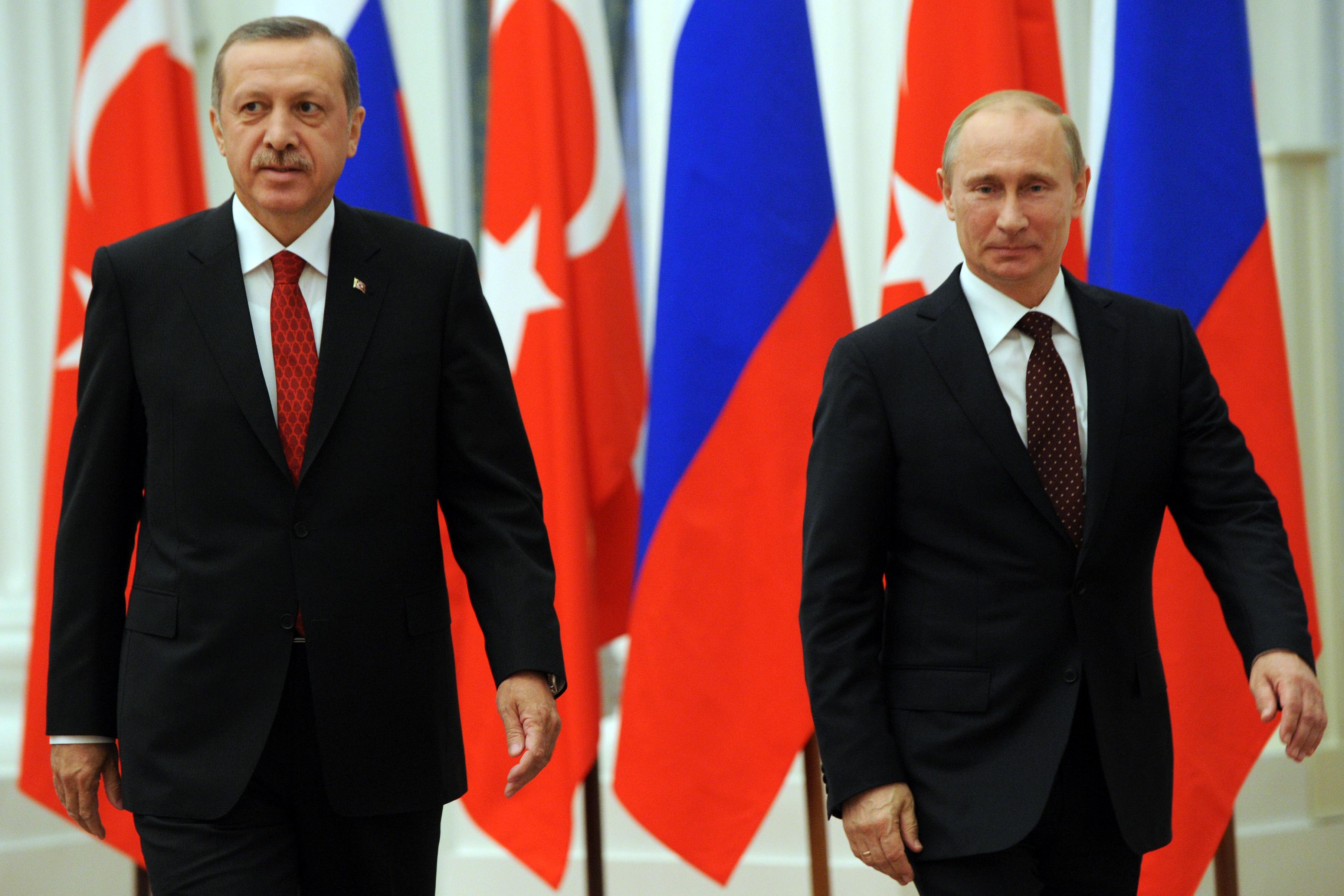 بالفيديو.. مواجهة القيصر بوتين والسلطان أردوغان.. لا تراجع في ظل الغرور