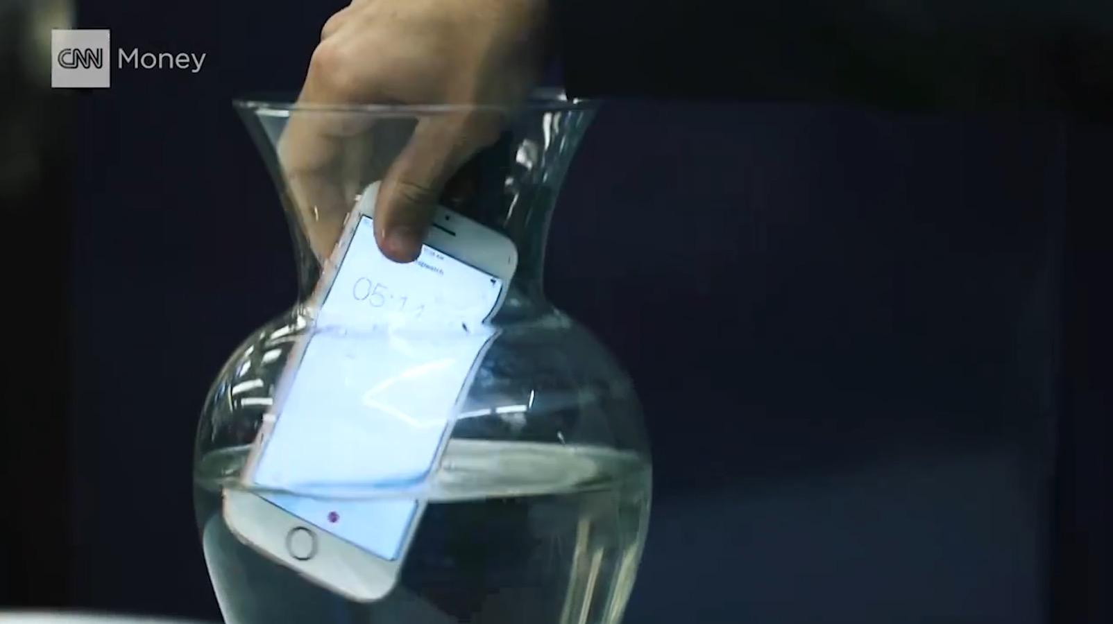هاتف آيفون تحت اختبار الضغط.. ما مدى متانة هاتفك؟