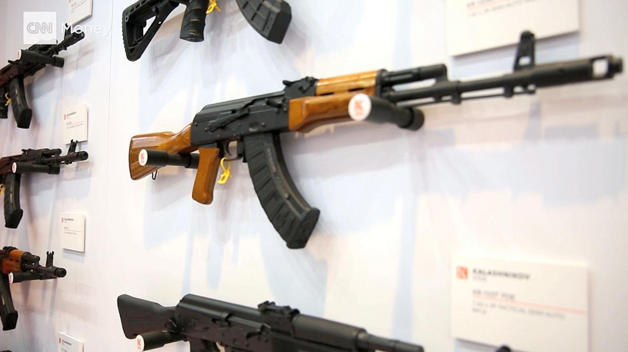 بسبب العقوبات ضد روسيا .. كلاشنكوف الأمريكية تبدأ بتصنيع بنادق AK-47