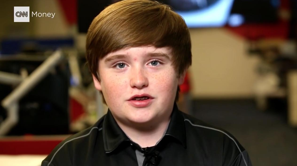 مدير تنفيذي عمره 14 عاما