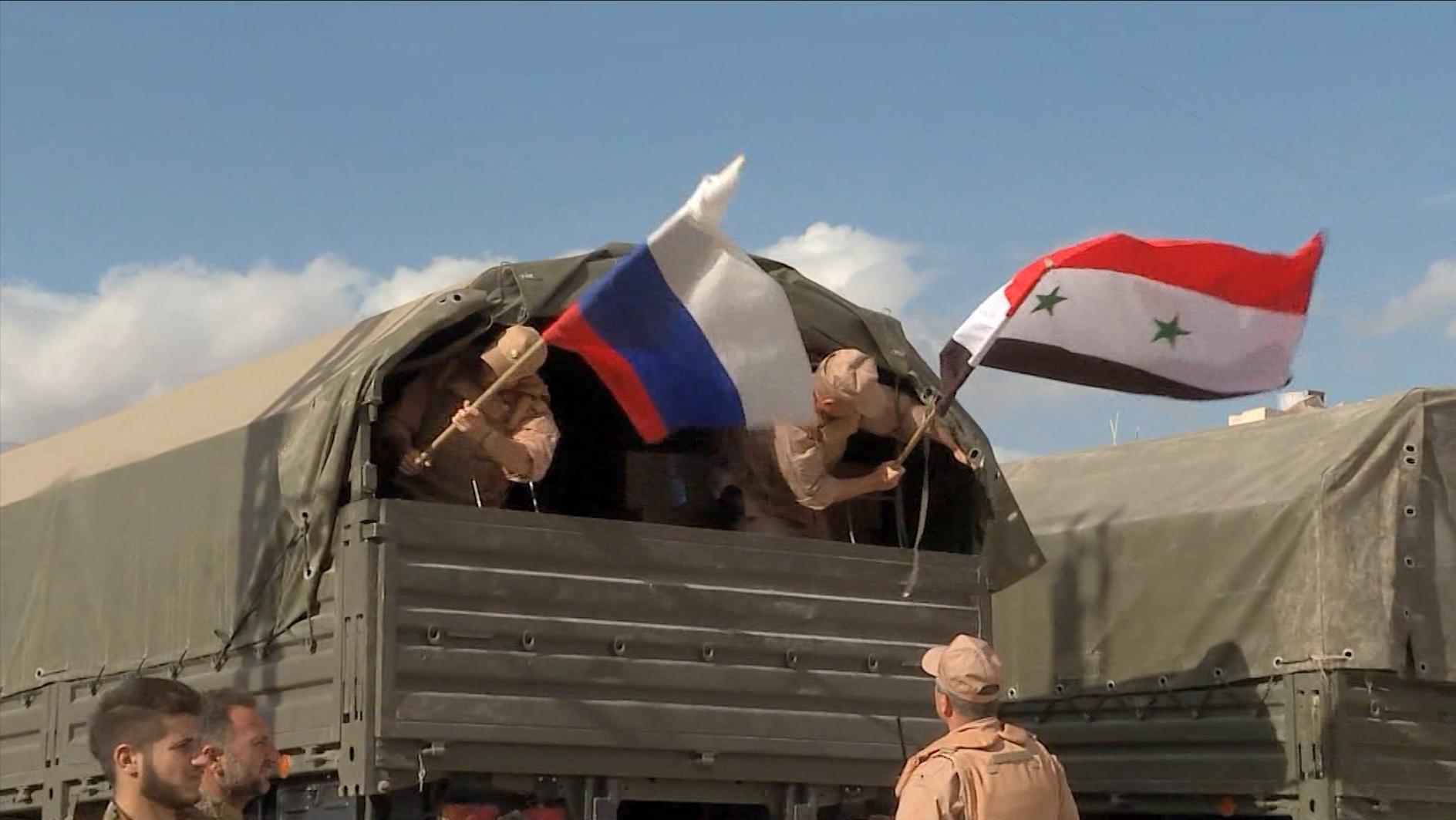 بالفيديو: عدسة CNN تنقل انطلاق الطائرات الروسية من قاعدة حميميم السورية